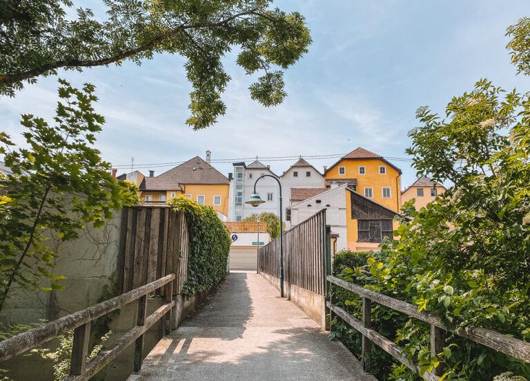 Eferding-Sehenswuerdigkeiten-Mittergraben-Donauregion