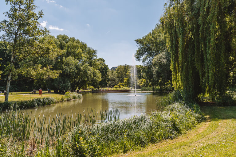 Regensburg-Sehenswuerdigkeiten-Stadtpark