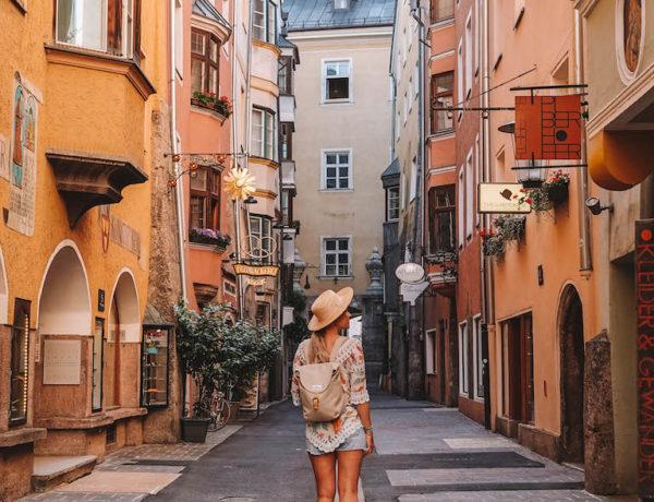 Altstadt Gasse Innsbruck Sehenswuerdigkeiten