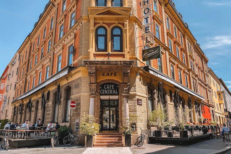 Cafe Central Innsbruck außen