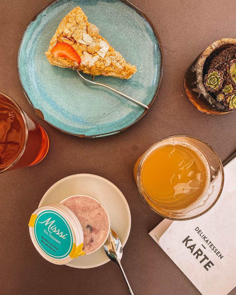 Cafe Deli Hotel Baeren Mellau