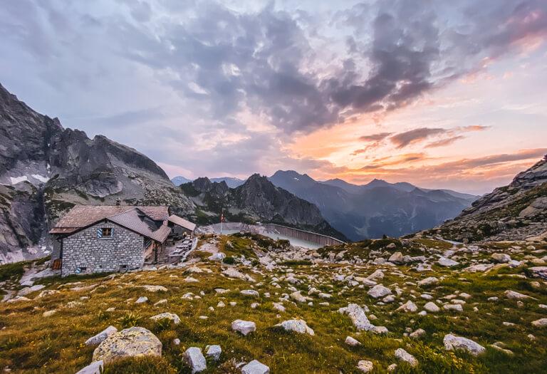 Albignahuette-Bergell-Sonnenuntergang