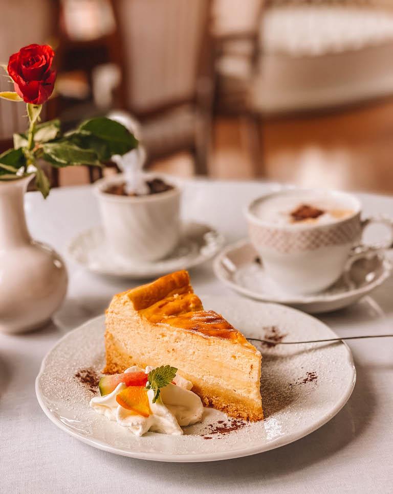 Cafe Hessensaal Meiningen Kuchen