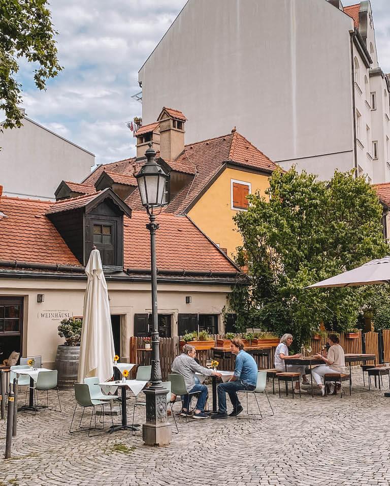 Wiener Platz Cafe