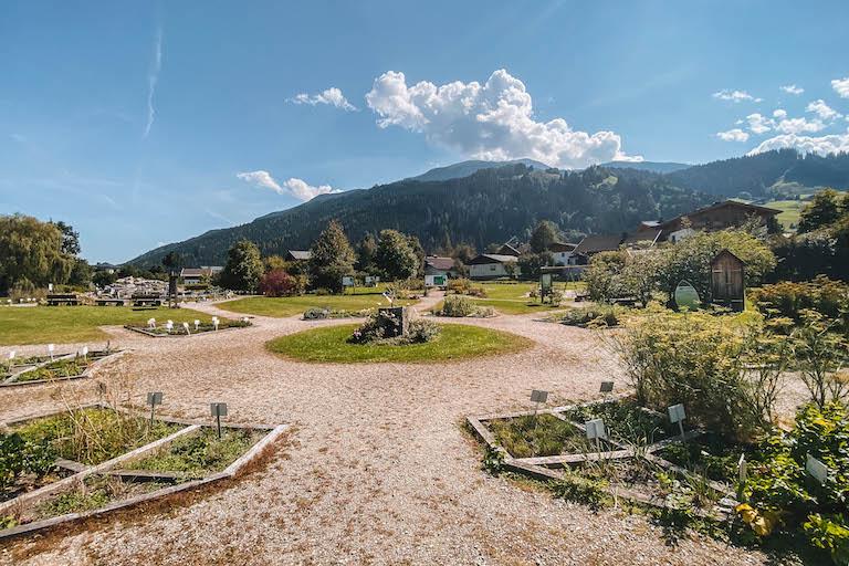 Hollerbacher Kraeutergarten Pinzgau