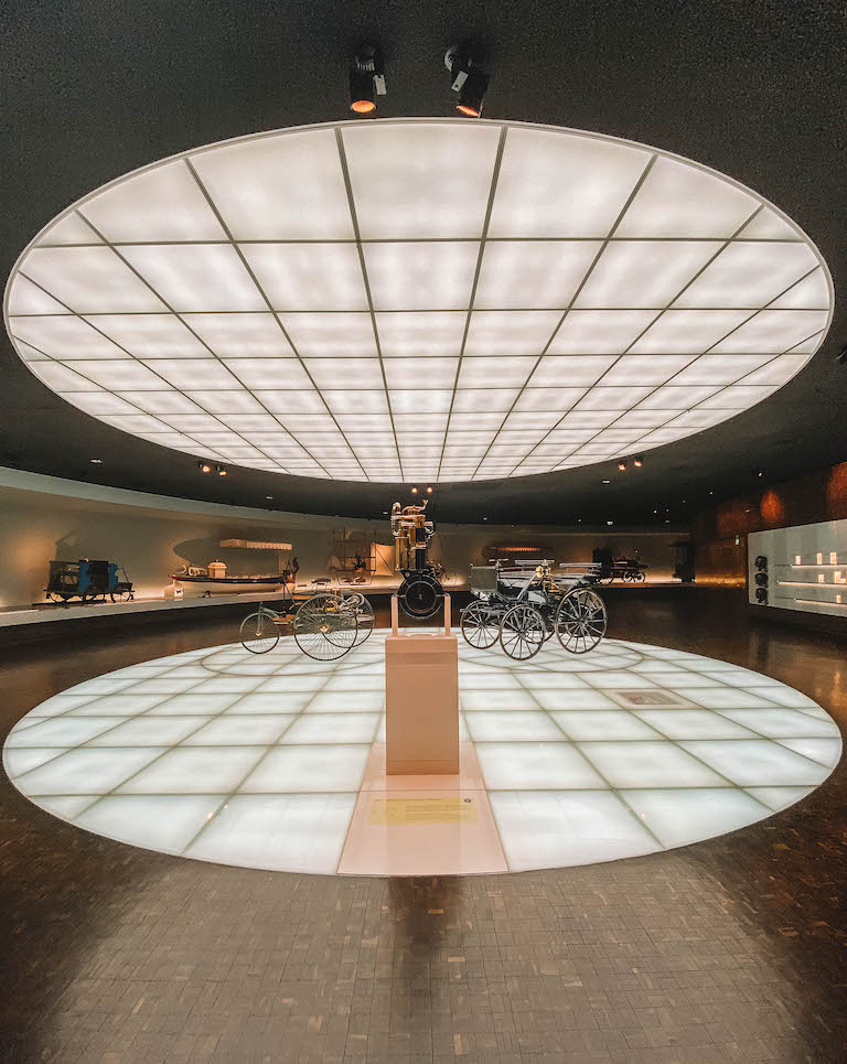 Mercedes Benz Museum Eingang